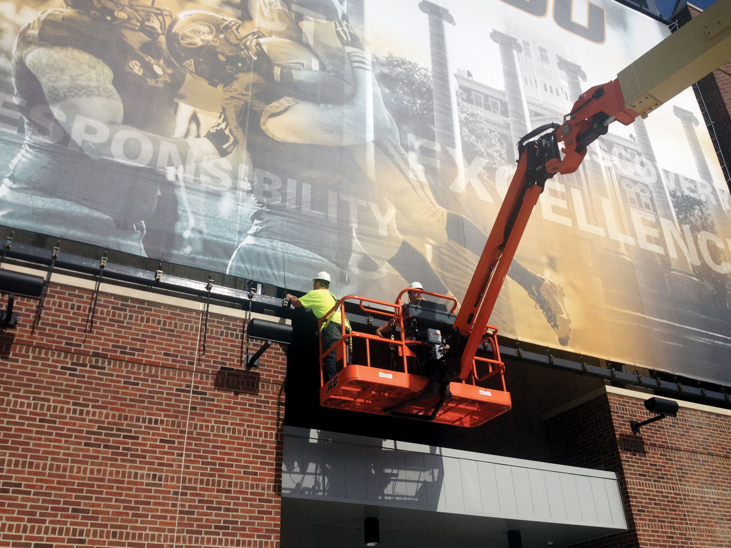 University of Missouri Building Banner Installation